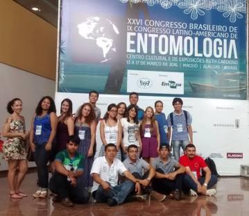 Equipe do Lab. na entrada do Evento