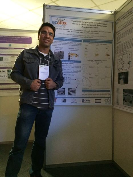 "Hígor Rodrigues presenting his work ""Toxicity of pyriproxyfen to aedes aegypti and its predator the aquatic hemipteran Belostoma anurum"" in XIV Brazilian Congress of Ecotoxicology, 2016, Curitiba, PR."